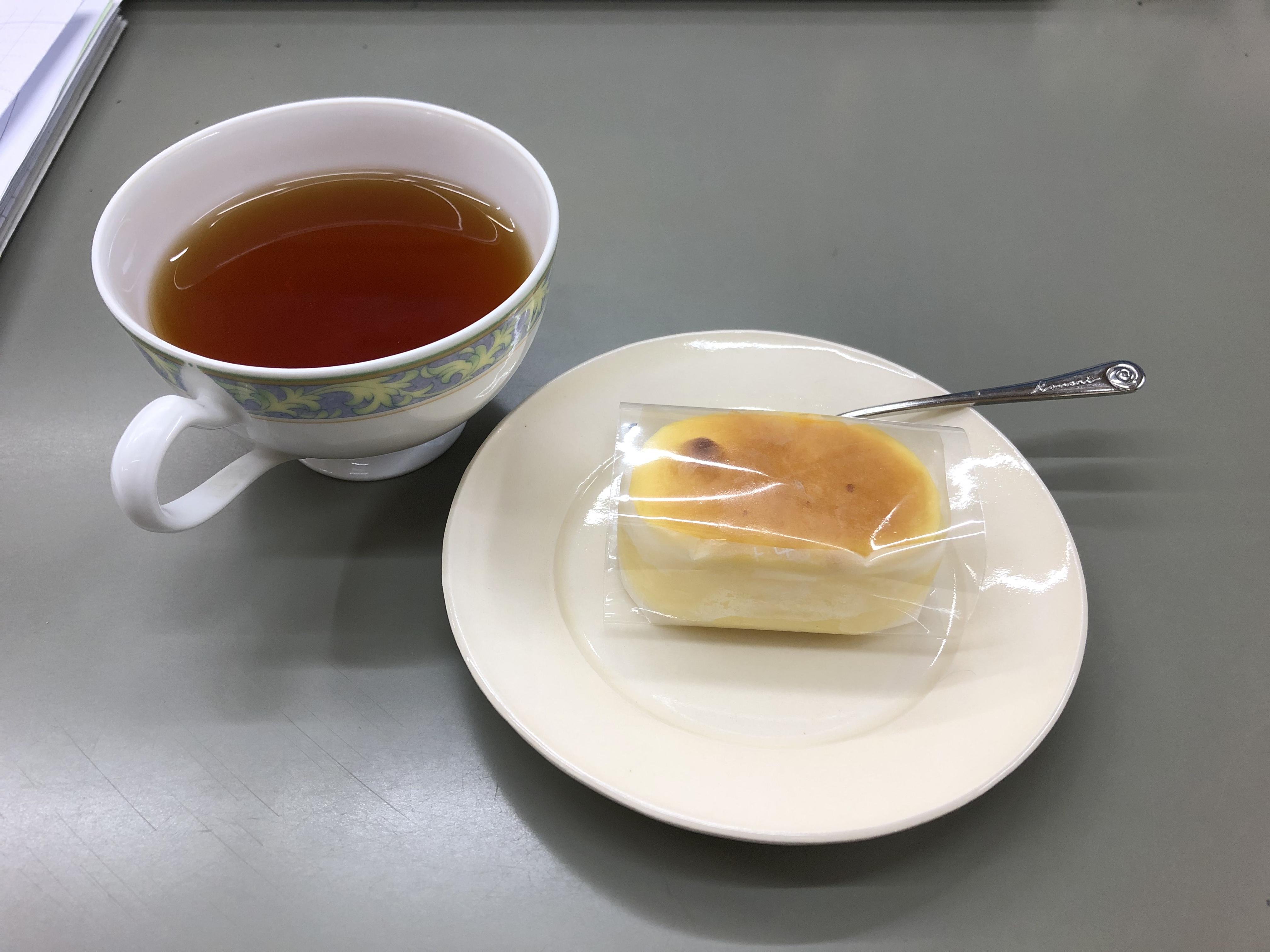 FINE PLACE 10月号裏話 ~ナルシマ社内のおやつタイム~